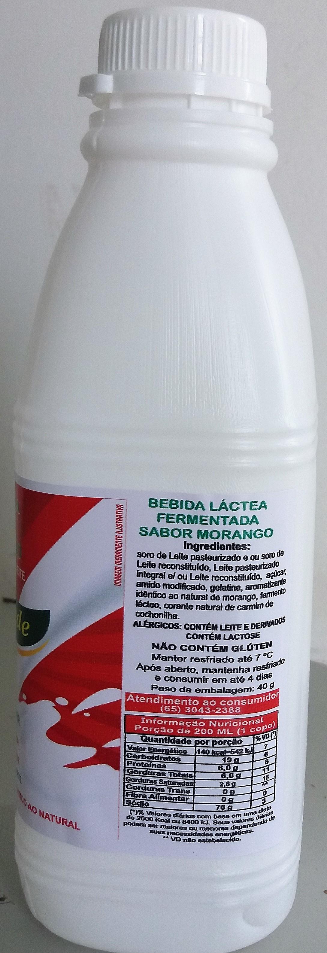 Bebida Láctea com preparado de morango