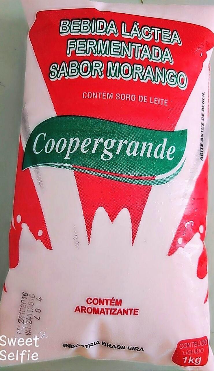 Bebida Láctea sabor Morango - sacos plástico tipo barriga mole